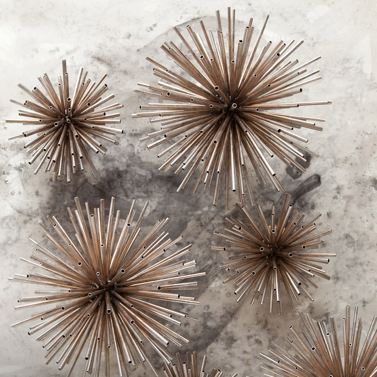26 beautiful burgundy accents for fall home d 233 cor digsdigs - Metal Spike Wall Sculpture Mercana